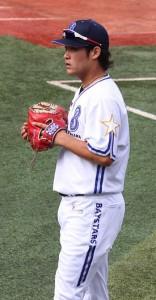 275px-Tsutsugo_Yoshitomo,_infielder_of_the_Yokohama_BayStars,_at_Yokohama_Stadium